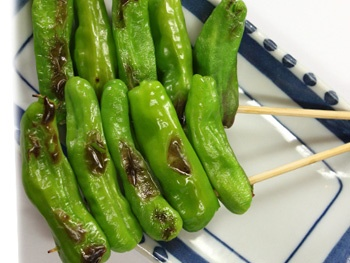 ししとう(1本)<br>Grilled Sweet Green Pepper Skewers