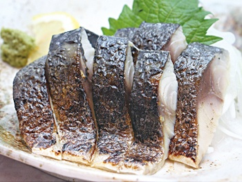 炙りしめサバ<br>Lightly Broiled Vinegerd Mackrel