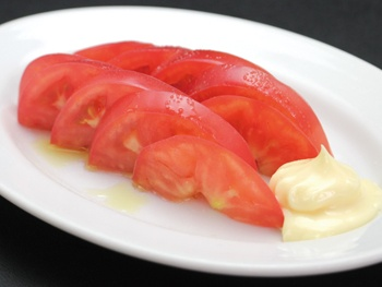トマトスライス 塩とマヨ<br>Sliced Tomatoes Salt and mayonnaise