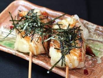 もちチーズ串(1本)<br> Rice Cake and Cheese Skewers