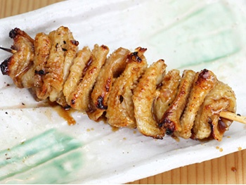 とり皮(1本)<br>Grilled Chicken Skin Skewered