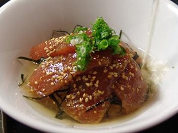 マグロ漬け茶漬け<br>Rice and Tuna marinated in soy sauce  and  Green Tea Poured Over It