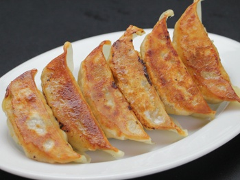 名物 肉汁餃子(6ヶ)<br>Juicy Gyoza