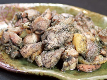 炭火もも焼<br>Char-Grilled Chicken Thigh, made with selected Miyazaki Chicken