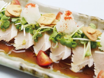 宮崎鶏のタタキ<br>Seared Chicken Tataki, made with fresh Miyazaki Chicken