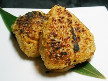 鶏めし焼きむすび【1個】<br>Grilled Chicken Rice Ball