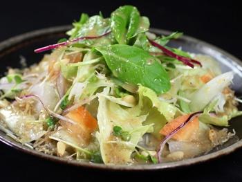たっぷり野菜とじゃこのサラダ<br>Dried Young Sardine and vegetable Salad