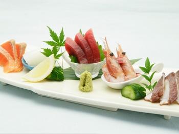 お刺身の盛り合わせ<br>Assorted Sashimi Platter