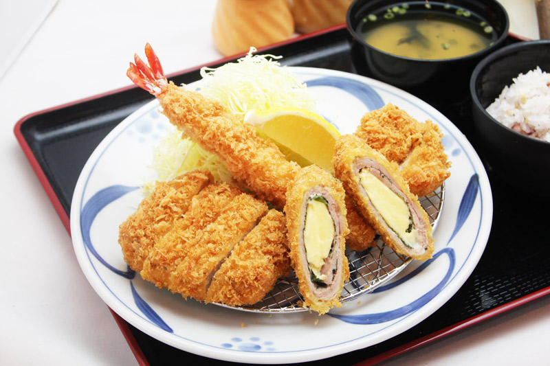 贅沢三昧 かつ盛り膳<br>Luxurious Assorted Cutlet Set