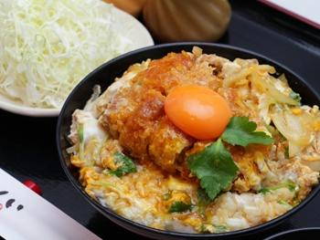 ロースかつ丼<br>Pork Loin Cutlet on Rice
