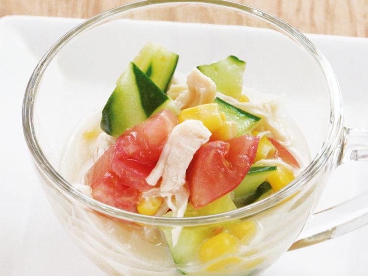 彩り野菜とチキンのサッパリサラダ