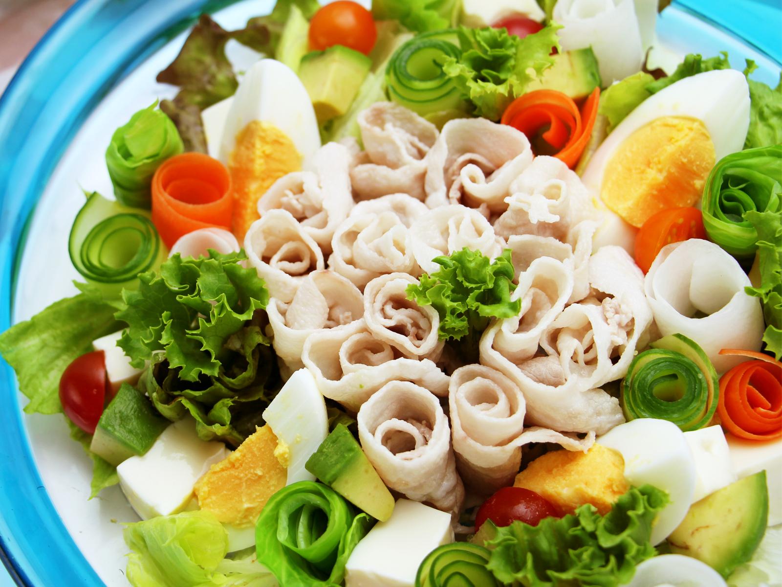 彩り華やか 巻き巻きサラダ