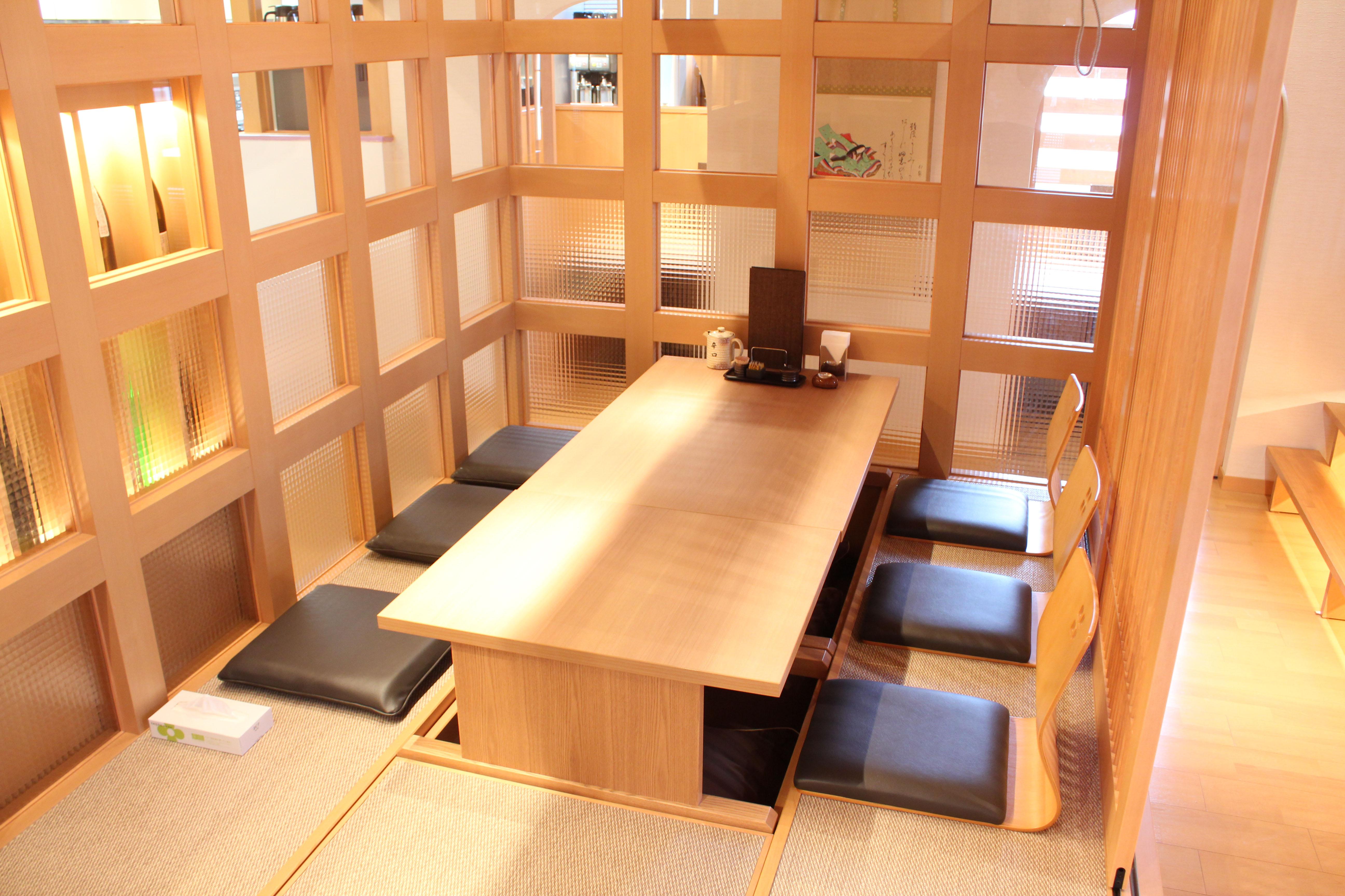 とんかつらくい宮崎駅前店店内イメージ
