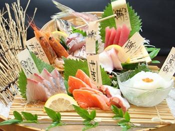 大漁盛り<br>Sashimi  Tairyou mori –  Large【7 types of fish】