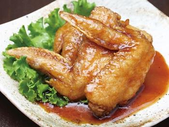 手羽唐揚げタレ3本<br>Deep-fried Chicken Wing with BBQ Sauce