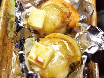 ホタテバター醤油(1本)<br>Scallop Grilled with Butter and Soy Sauce