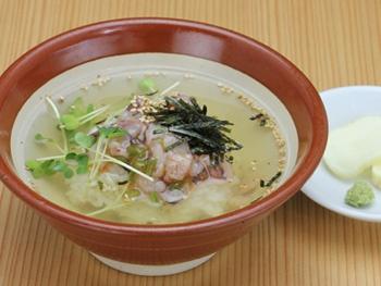 """お茶漬け(たこわさ)<br>""""Rice and Octopus with Wasabi (Japanese Horseradish Paste)  and  Green Tea Poured Over It"""""""