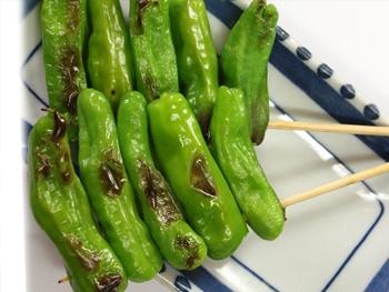 ししとう(1本)<br> Grilled Sweet Green Pepper Skewers