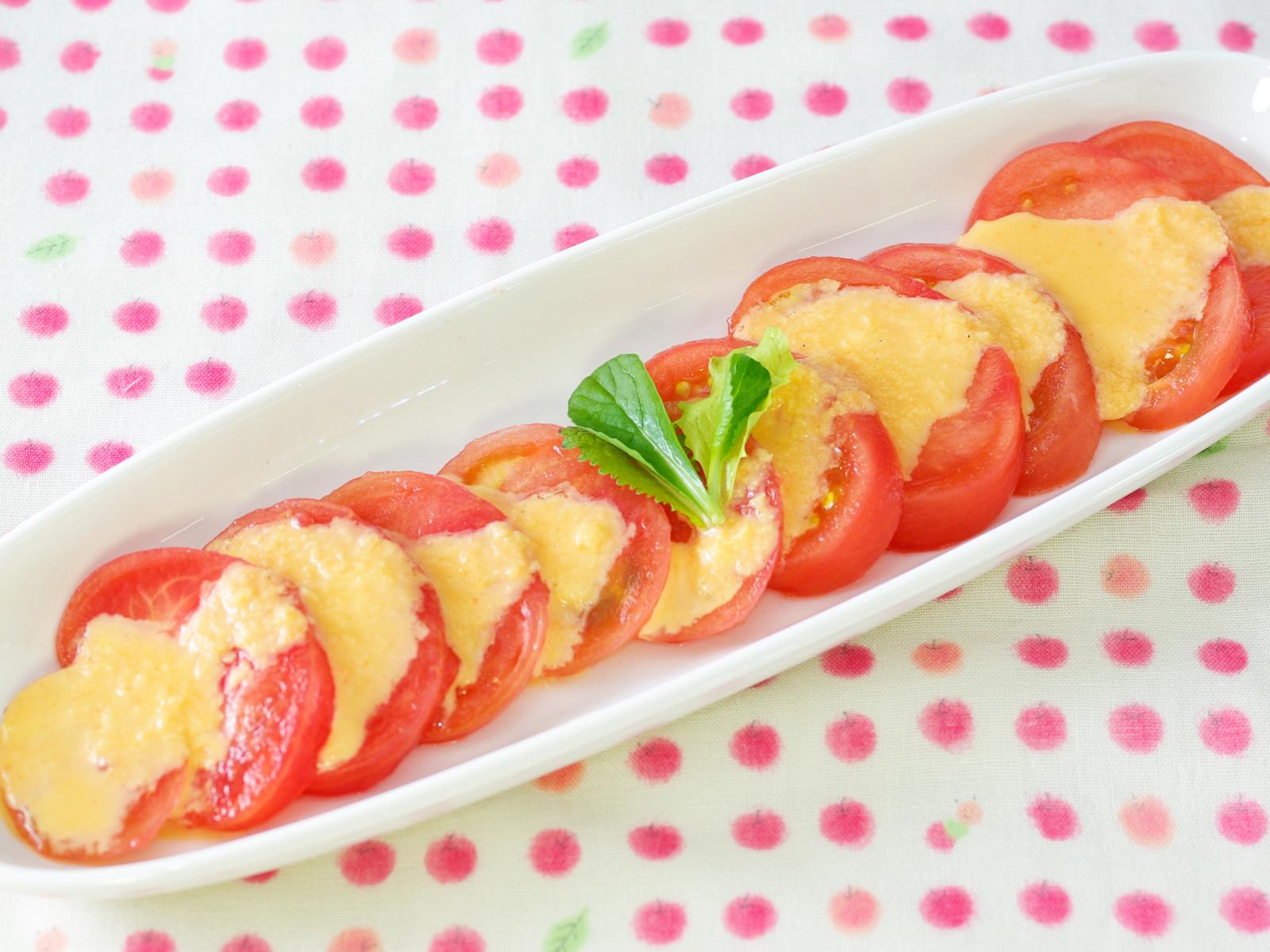 完熟トマトのスライスサラダ